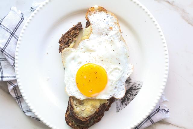 La Mejor Salsa Cremosa Blanca Libre de Gluten y Lácteos